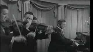Liberace playing Dizzy Fingers