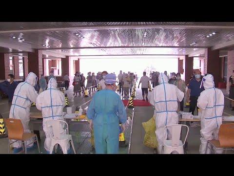В Китае, с которого началась пандемия, нового всплеска коронавируса нет.