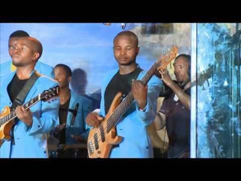 Worship House - Mune Simba - (Live in the New Wine Concert) (Official Video)
