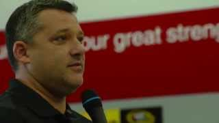 Shr Team Meeting - Tony Stewart Meets With Team Prior To Retirement Announcement