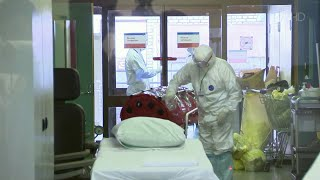 На сегодняшний день коронавирус нового типа диагностирован в России почти у 5400 человек.