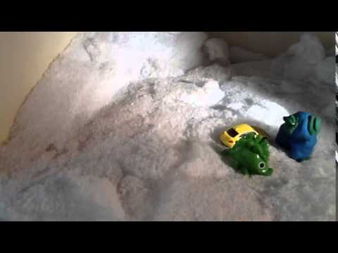 Tom - Racing car and dinosaur chase blue snowman - Animate! The Imagination Studio