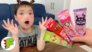 レオくんがアンパンマンのペロペロキャンディをたべたら顔がかわっちゃった! トイキッズ