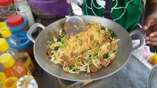Cambodia street food, Fried noodles