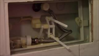 Reparatur Spülkasten Toilette Wasser läuft dauernd durch, Heimwerken