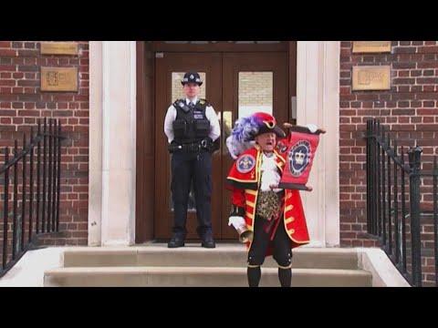 È nato il terzogenito di Kate e William: l'annuncio del banditore cittadino