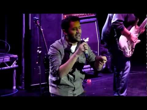 Atif Aslam Live - Mahiya Ve Soniya -...