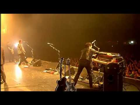 0112 Queens Of The Stone Age  Feel Good Hit Of The Summer Lowlands Festival 2010