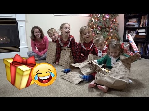 😂HILARIOUS Sibling Gift Exchange 🎁