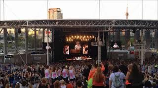 Rod Stewart w/ Cyndi Lauper (Live, Toronto, Aug. 10, 2018)