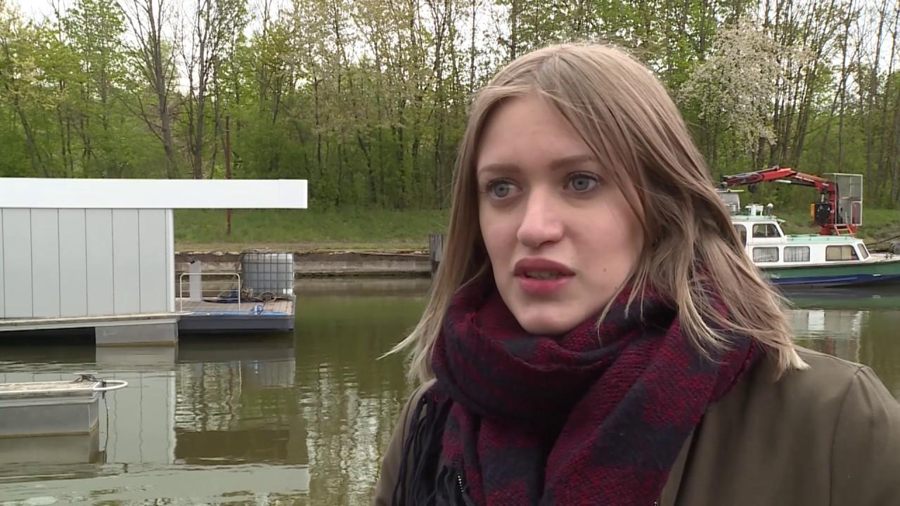 Une maison flottante made in sarreguemines youtube for Maison flottante