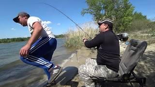 Рыбалка с ночевкой!!!!!! На лодке на остров))))) Карась и селёдка!!!