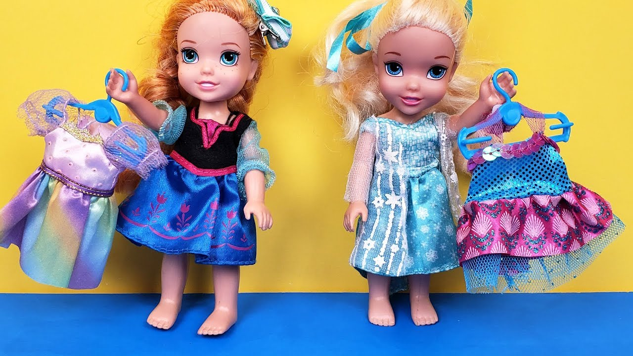 Download New Dress ! Elsa & Anna toddlers - fabric store shopping - Barbie is the seller