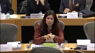 Virginie Rozière présente le rapport sur la protection des lanceurs d'alerte en Commission JURI