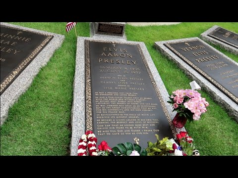#1042 ELVIS PRESLEY House & Grave FULL Tour Inside GRACELAND  PRIVATE ROOMS - Travel Vlog (6/14/19)