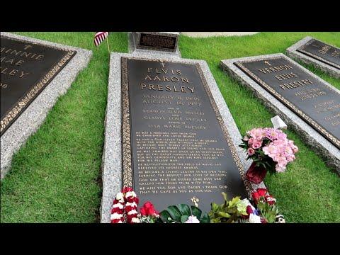 #1042 ELVIS PRESLEY House & Grave FULL Tour Inside GRACELAND  PRIVATE ROOMS - Travel Vlog (6/14/19)