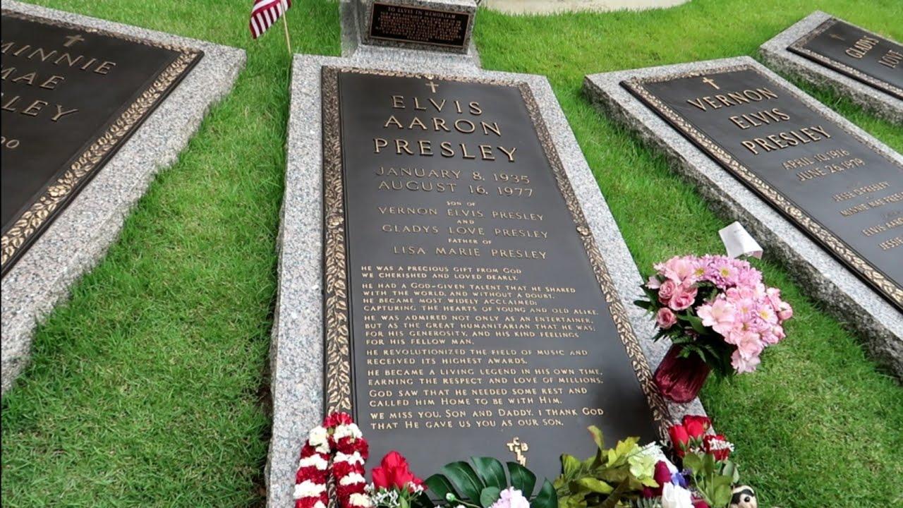 #1042 ELVIS PRESLEY House & Grave - Inside GRACELAND - PRIVATE LIFE - Travel Vlog (6/14/19)