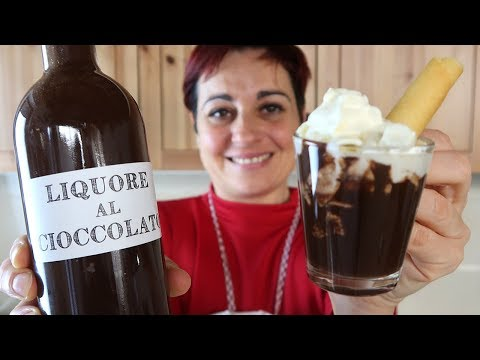 LIQUORE AL CIOCCOLATO Fatto in Casa Ricetta Facile - Homemade Chocolate Liqueur Easy recipe
