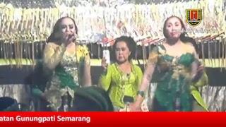 "Video Pagelaran Wayang Kulit - Dalang Ki Joko Edan dengan lakon ""Wahyu Darmo"" download MP3, 3GP, MP4, WEBM, AVI, FLV November 2018"