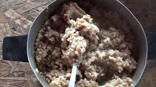 Приготовление еды для собаки:  каша гречневая с гузками индейки.