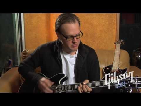 Joe Bonamassa with the Gibson Midtown Custom