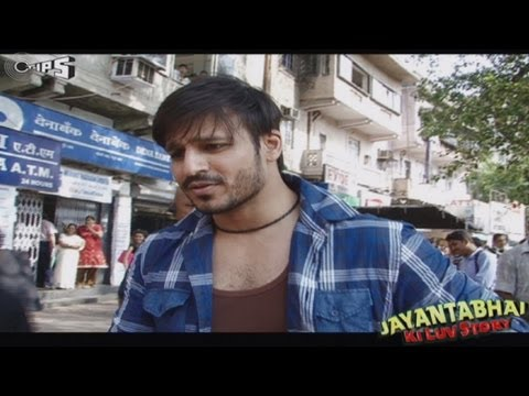 Shooting on Mumbai Roads - Behind The Scenes - Jayantabhai Ki Luv Story