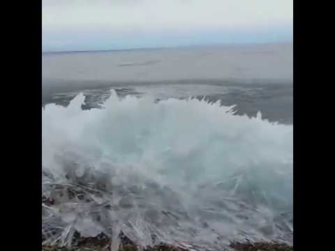 FROZEN WAVES in Baikal ! (MUST WATCH)