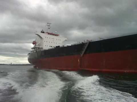 Two Tyne pilots disembarking from bulk carrier Osmarine