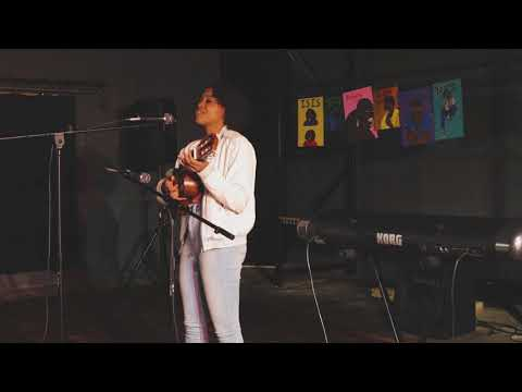 Isis Christopher - Colors (An Original) Live @ DT Colors Unplugged
