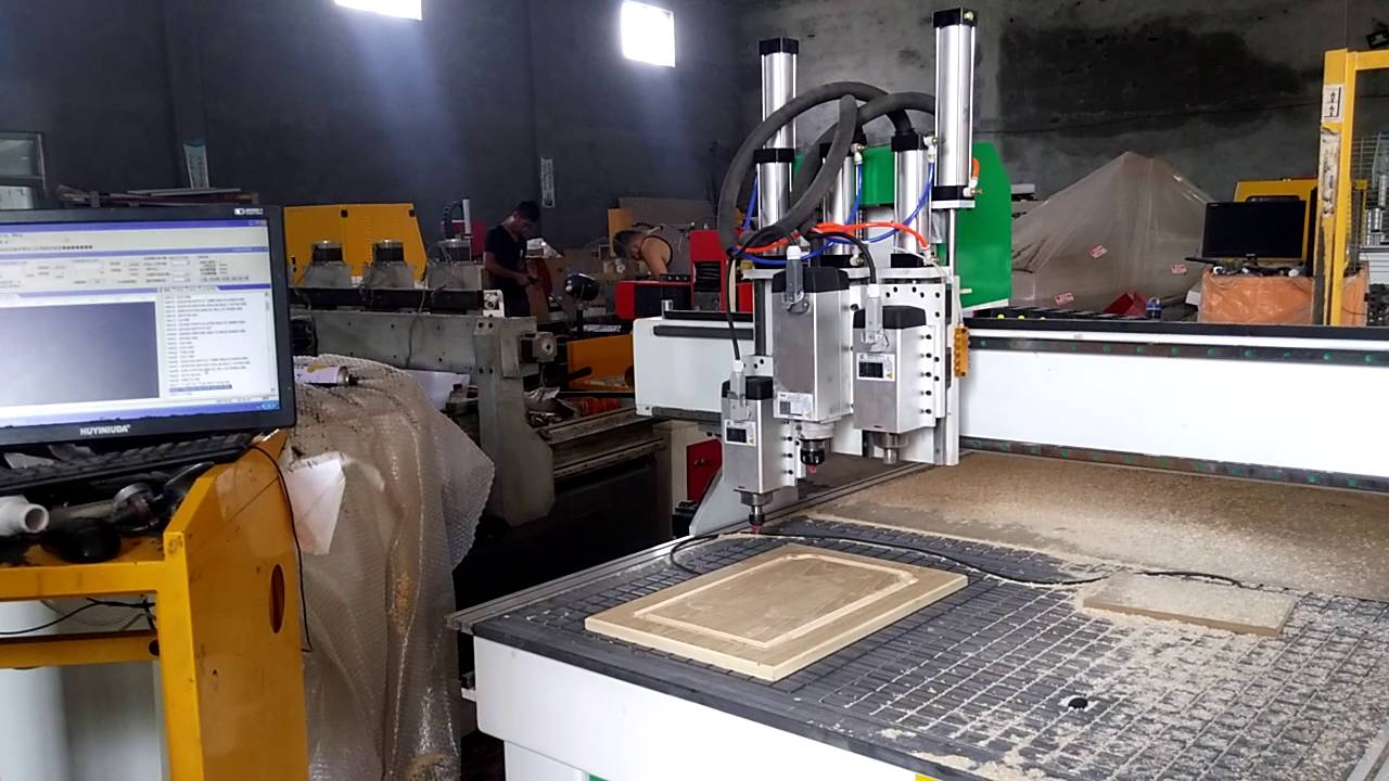 kitchen cabinet door making machine ,wood cnc router - YouTube