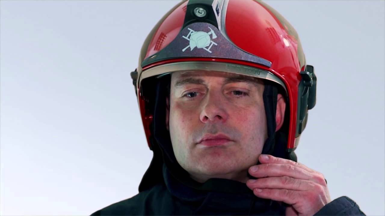 Каска шлем пожарного HPS 7000, надевание и регулировка.