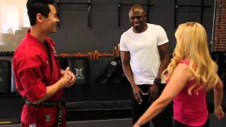 [HD] Injustice Battle Arena - Celebrity Experts Wayne Brady & Tara Strong Semi Finals