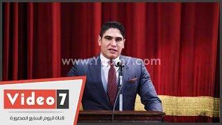 بالفيديو..أبو هشيمة لطلاب جامعة القاهرة: أنا أهلاوى مدريدى والخطيب رمز الكرة المصرية