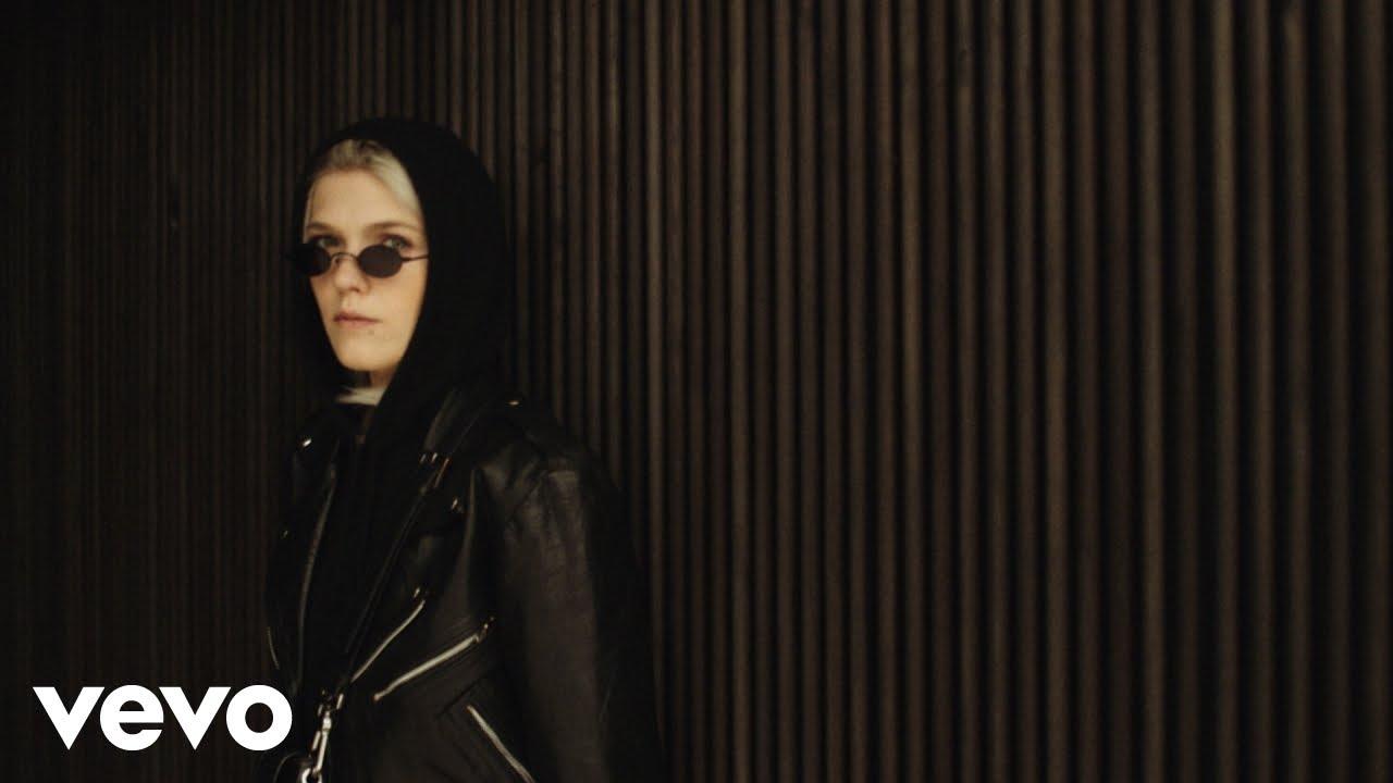 Download Daria Zawiałow - Helsinki (Official Video)