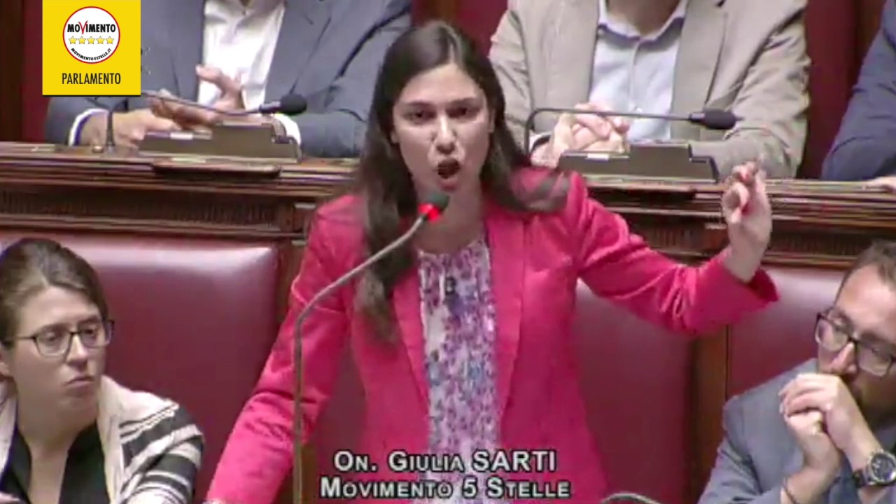 Giulia sarti movimento 5 stelle il pd distrugge la for Esponenti movimento 5 stelle