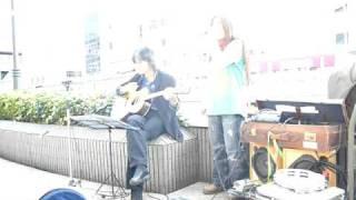 相模原 橋本駅でのストリートライブです! ボーカル 楓 ギター SHIN2川村.