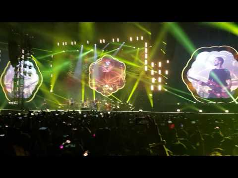 Coldplay - Yellow [Bangkok 2017]