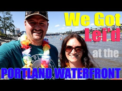 Portland Waterfront Park | Saturday Market | Travel Oregon Fun