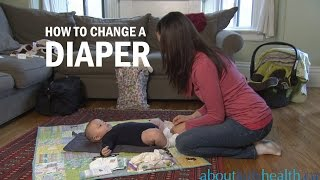 How to change a diaper / Comment changer une couche