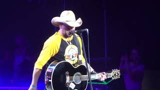 "Jason Aldean in Kansas City ""Drowns the Whiskey"" 5/10/18"