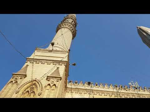 Moschea in centro al Cairo