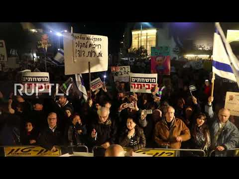 Israel: Thousands call on 'Crime Minister' Netanyahu to resign