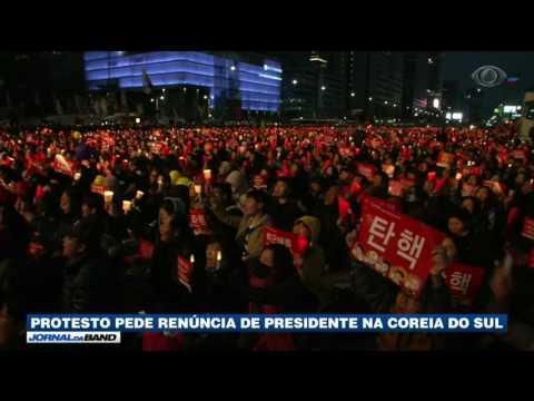 Sul-coreanos vão às ruas pedir impeachment da presidente