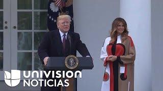 El presidente Donald Trump y la primera dama participan en el tradicional perdón del pavo.