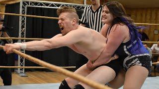 Davienne vs. Kalvin Strange - Limitless Wrestling (Intergender, Mixed, Let's Wrestle)