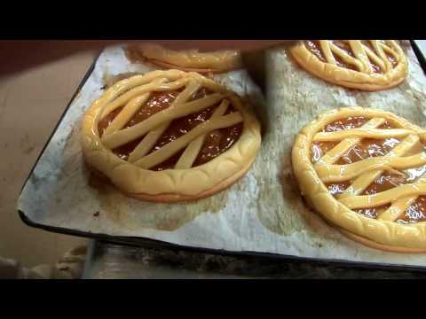 Forno Campo de'Fiori - Small Roman Bakery Travel Video