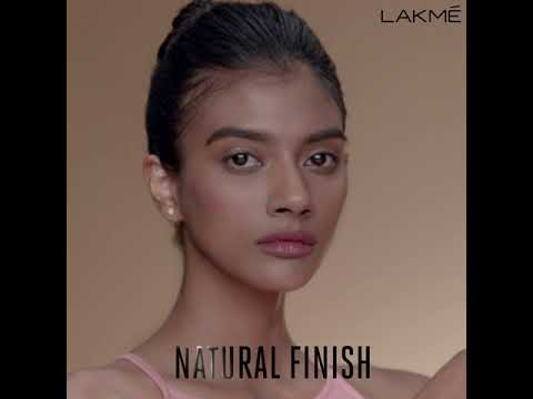 Lakmé 9to5 Weightless Mousse Foundation