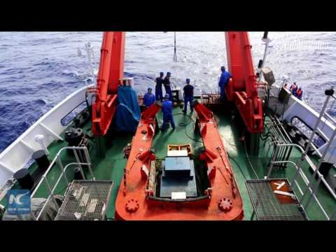 Chinese journalist descends to 4,800+ meters in Mariana Trench