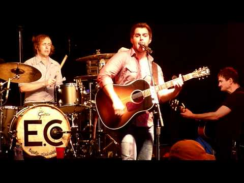 Easton Corbin - George Strait Cover - It Just Comes Natural - LIVE Innsbrook
