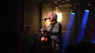 Watch Robyn Hitchcock Victorian Squid video